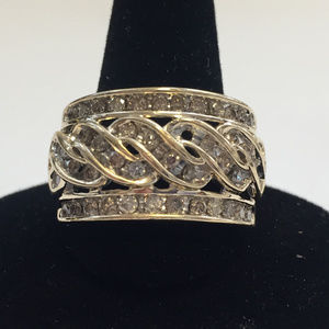 Vintage 10 kt gold diamond ring / 8.